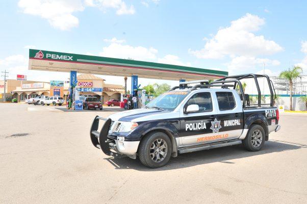 Despojan de 3 mil 400 pesos a empleada de gasolinera