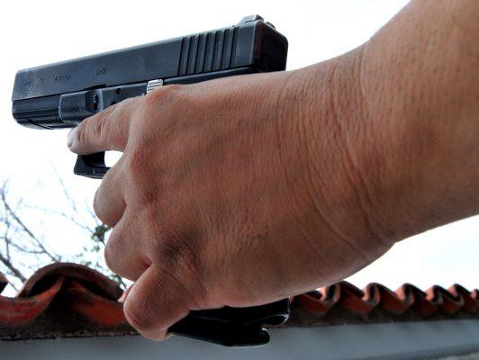 Delincuente armado atraca una zapatería en la colonia Centro