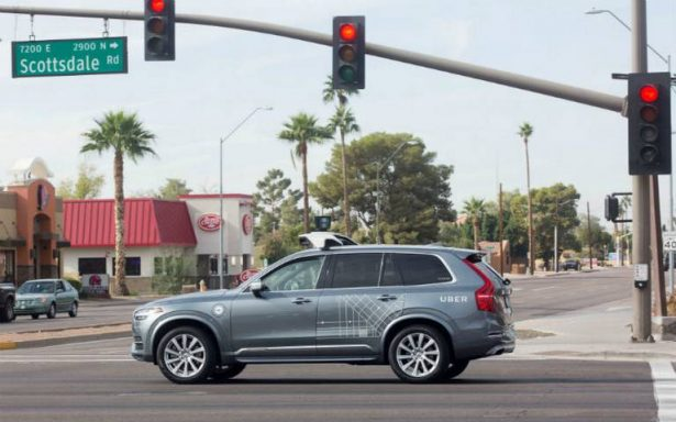 Uber sin conductor atropella y mata a mujer en Arizona