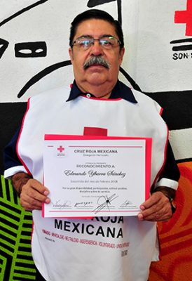 Reconoce Cruz Roja al Socorrista del Mes