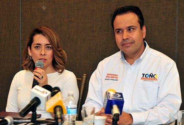 Presentan Astiazarán y Leticia Cuesta propuesta en Change.org para eliminar privilegios políticos