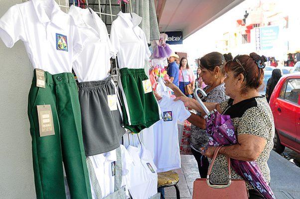 Licitarán uniformes escolares para próximo ciclo escolar