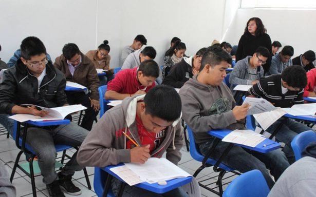 Previenen a alumnos que tomarán examen a llegar temprano