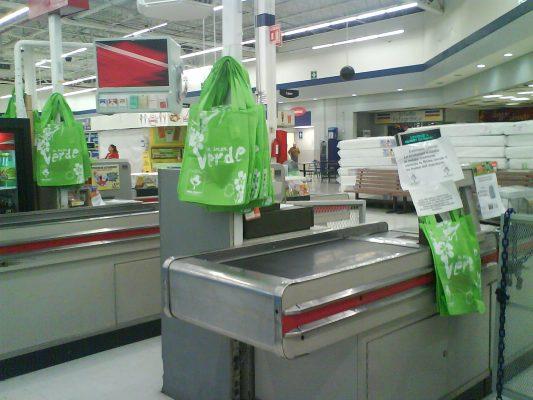 Sólo podrán usarse bolsas biodegradables; habrá multas