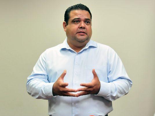 Salvador Díaz falta a reunión en tribunal