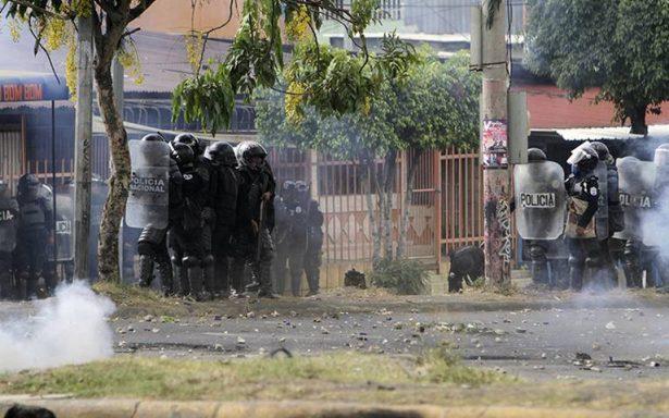 Presidente de Nicaragua revoca reforma que originó violentas protestas