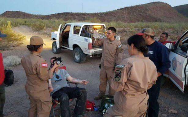 Rescatan a motociclista estadounidense en el desierto