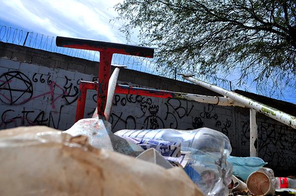 Aqueja vandalismo en el parque de la Eusebio Kino