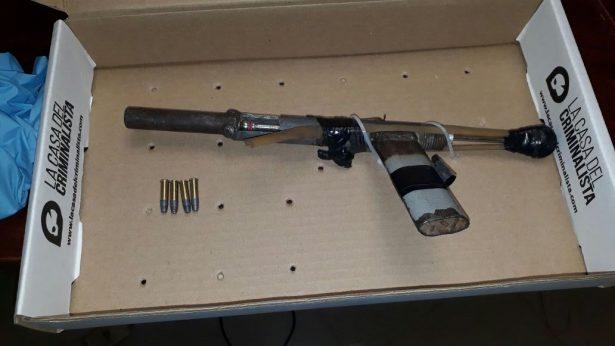 Detienen a pareja con arma hechiza en fraccionamiento San Sebastián