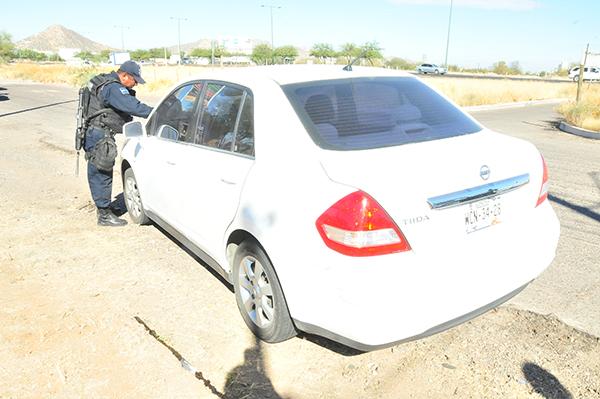 Recuperan uniformados vehículo robado