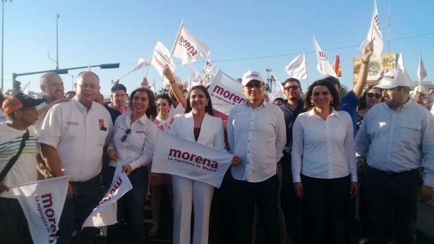 [Video] Marchan a oficinas del IEE en apoyo al registro de Célida López