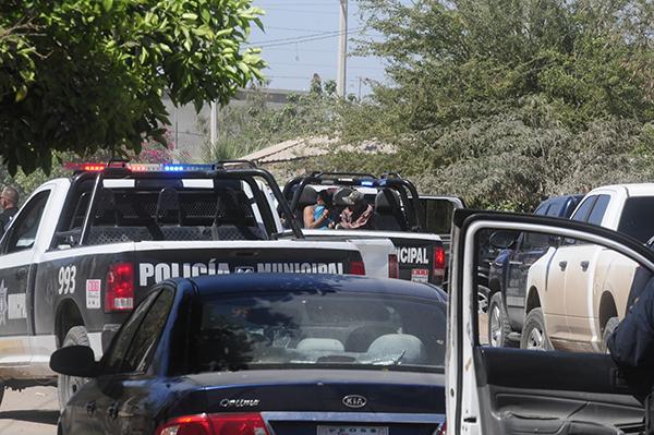 Arrestan a 4 personas por conducta sospechosa