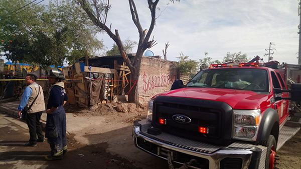 Apagan bomberos incendio de casa en colonia Altares