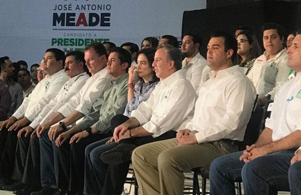 [Video] Reciben sonorenses a José Antonio Meade