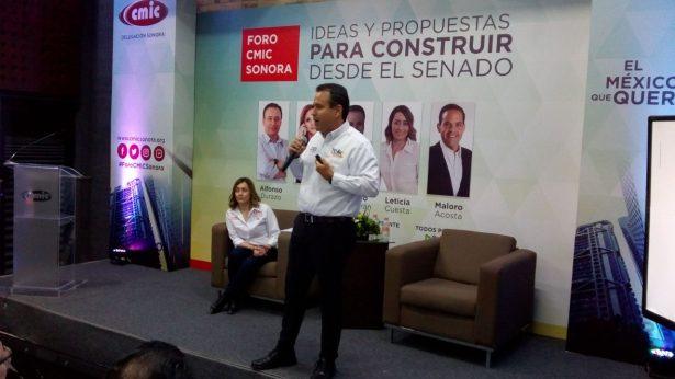 Toño Astiazarán y Letty Cuesta en charlas para construir desde el Senado