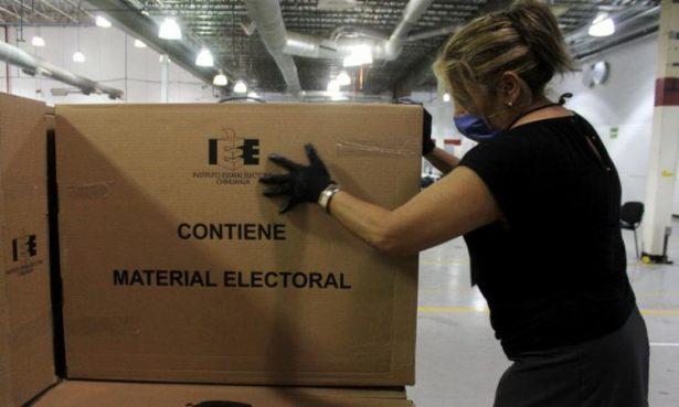 INE envía 140 mil paquetes electorales a mexicanos en el extranjero