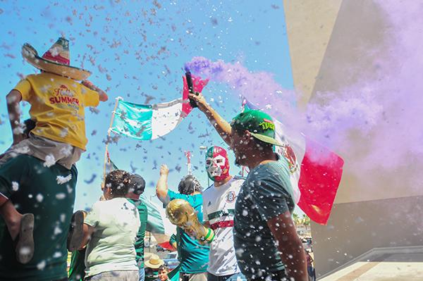 [Galería] Hermosillenses celebran el triunfo de la Selección