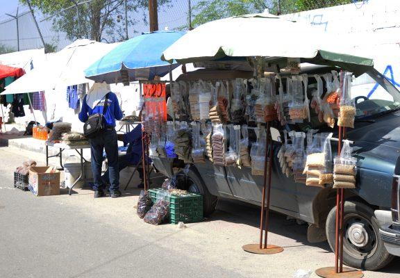 Exhortan a vendedores a renovar permiso