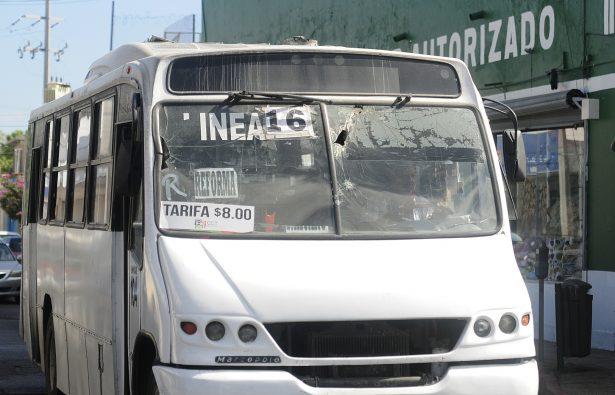 Surgen taxis colectivos por deficiencia en el transporte urbano