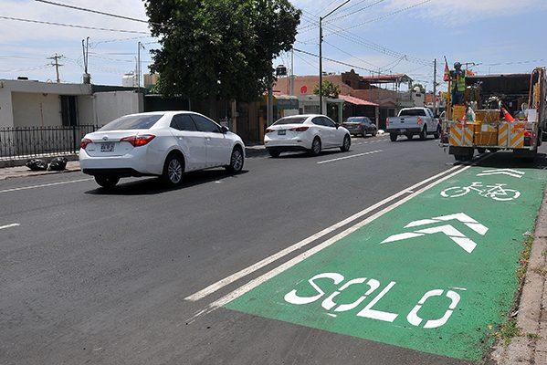 Pintan ciclovías en calle Olivares