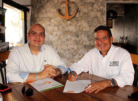 Firma Norberto Barraza pacto por la seguridad