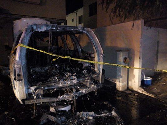 Arrasa fuego con un carro en Montecarlo