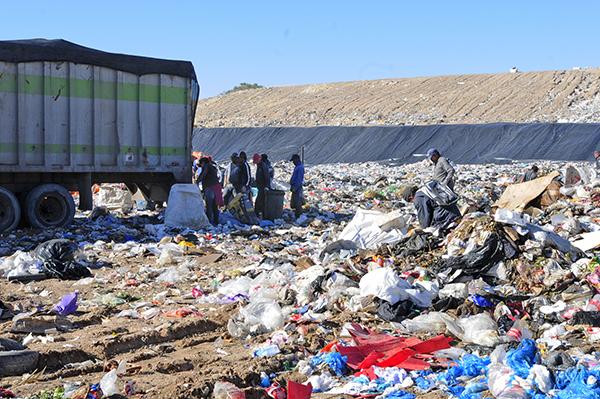 [Galería] El valor que hallan en el basurero