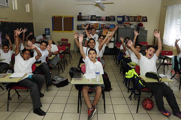 Regresan a clases 610 mil alumnos