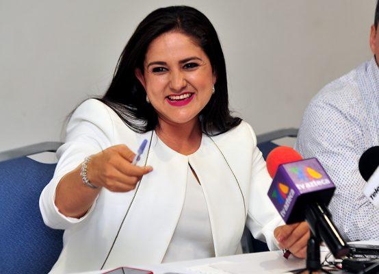 Anuncia Célida López a sus dos primeros colaboradores