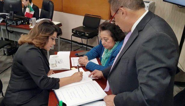 Recibe Lorenia Valles credencial que la acredita como Diputada