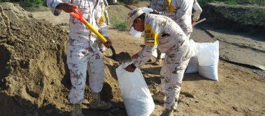 Trabaja ejército para prevenir inundación en La Victoria