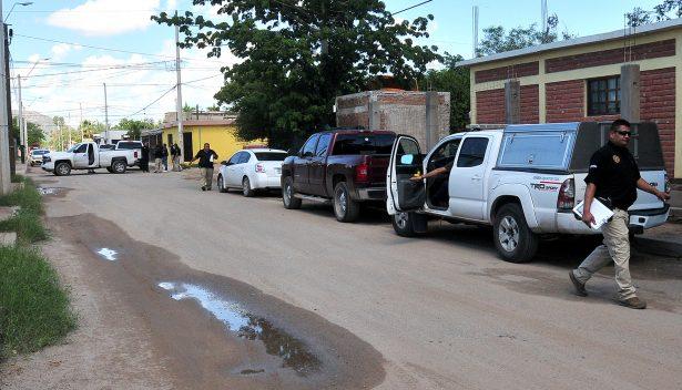 Agreden a agentes de la AMIC mientras revisan un auto con reporte de robo
