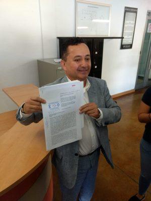 Denuncia Salvador del Castillo a directora de notarías de Sonora