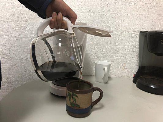 Aconsejan reducir el consumo de café