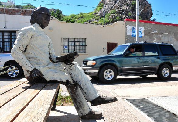 Estatua de Abigael Bohórquez sufre vandalismo