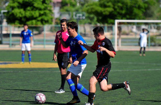 Arrasa Búhos en Liga Premier de Futbol
