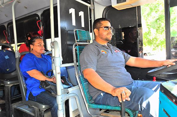 Viven terror día a día operadores de camión