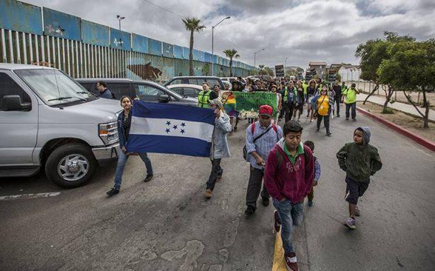 Migrantes deben consultar requisitos de tránsito, advierten SRE y Segob
