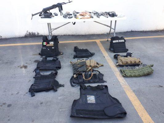 Aseguran armamento y equipo táctico en Nogales tras una persecución