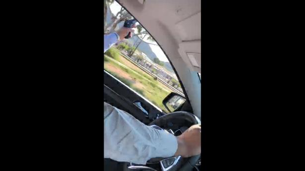 Circula video donde una persona realiza disparos al aire