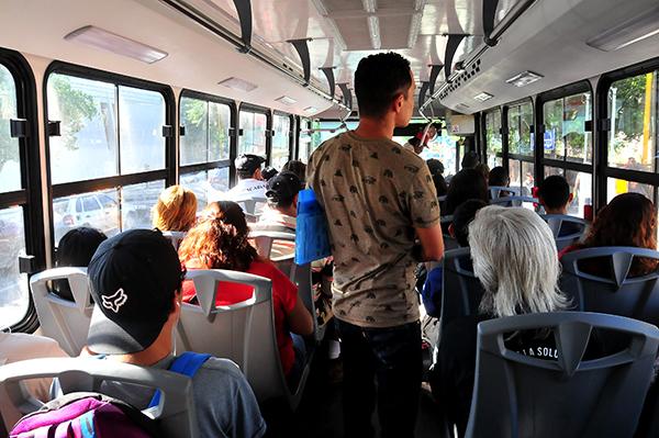 Instalan cámaras dentro de autobuses urbanos