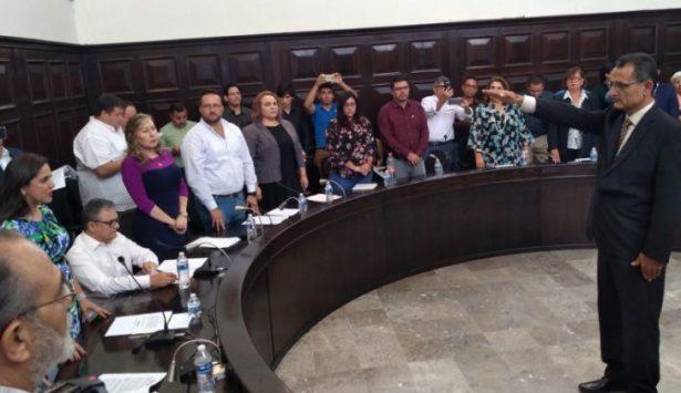 Toman protesta a Luis Alberto Campa Lastra comisario general de Seguridad Pública