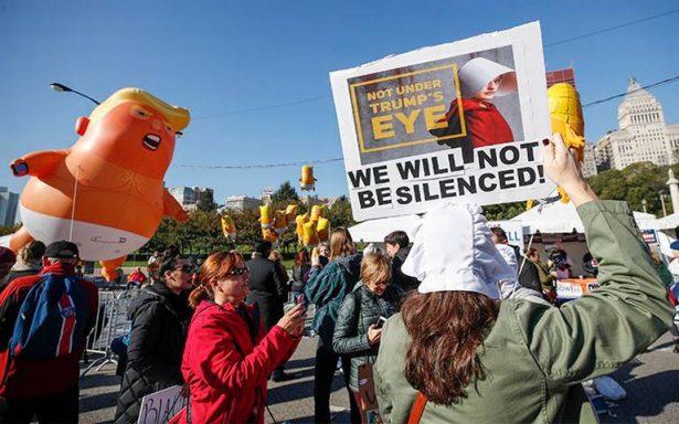 Mujeres marchan en Chicago contra Trump y nombramiento de Kavanaugh