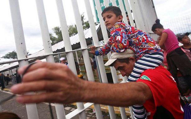 No somos delincuentes, queremos entrar a trabajar: migrantes