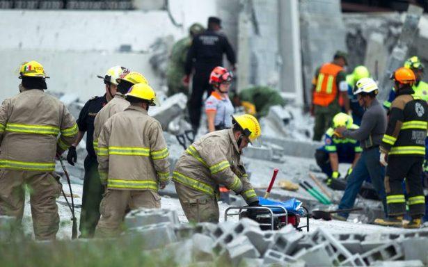 Se derrumba construcción de plaza comercial en Espacio Cumbres, Monterrey