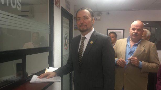 Apoya Confederación de Abogados de México a Juan Alcaraz para Fiscal