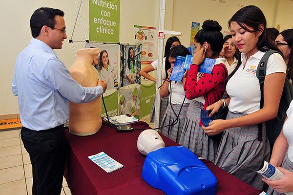 Conocen oferta Educativa de Xochicalco
