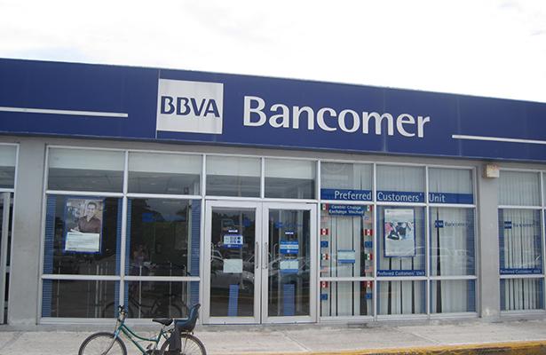 Asalto a banco en Oaxaca deja un muerto, dos heridos y cinco detenidos