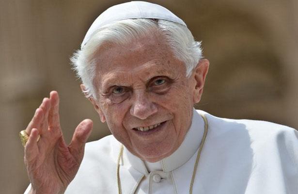 Lamenta el Papa emérito Benedicto XVI que la gente se aleje de la Iglesia