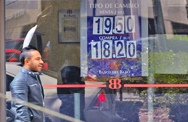 El peso ganó 12.7 % en 57 días; es de las monedas emergentes más fuertes